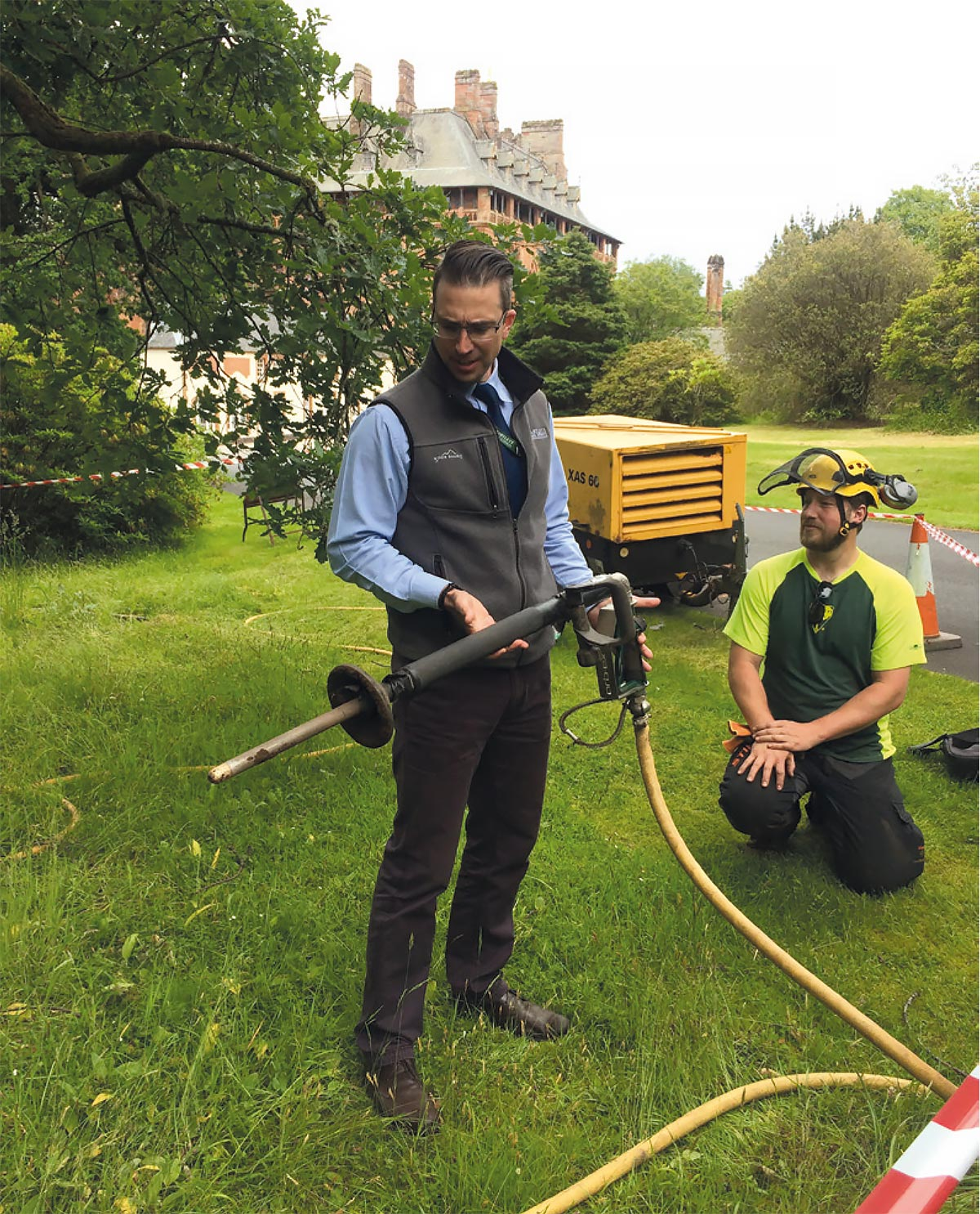 Bartlett Tree Experts demonstrating the air spade as part of the root zone invigoration programme.